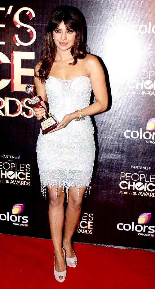 Priyanka Chopra Snapped At The People's Choice Awards