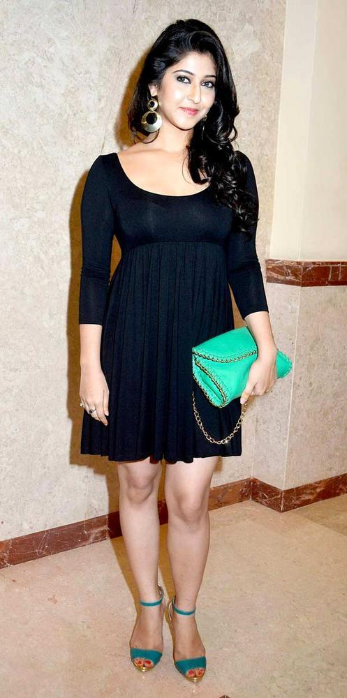 Sonarika In Black Dress Sexy Look At The Success Party Of Saas Bahu Aur Saazish