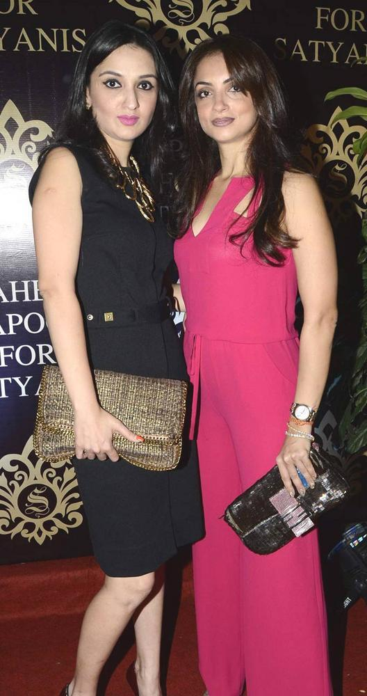 Anu Dewan And Seema Khan At Satyani's Diamond Boutique