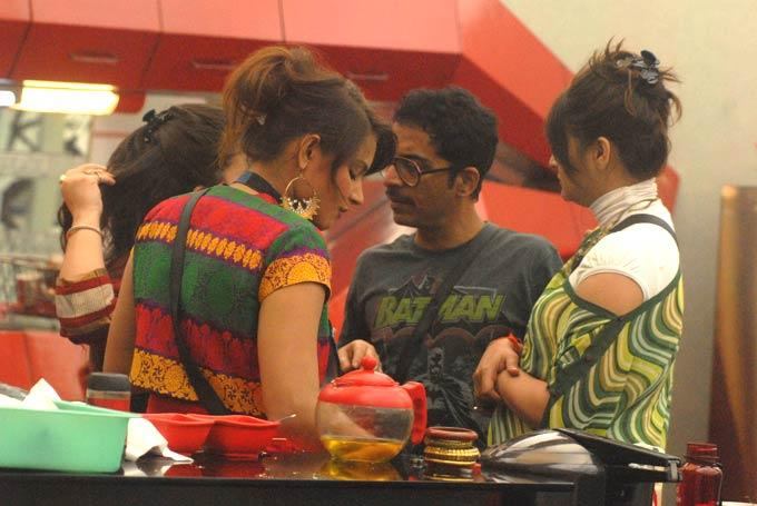 Karishma And Vrajesh In Bigg Boss Kitchen Room