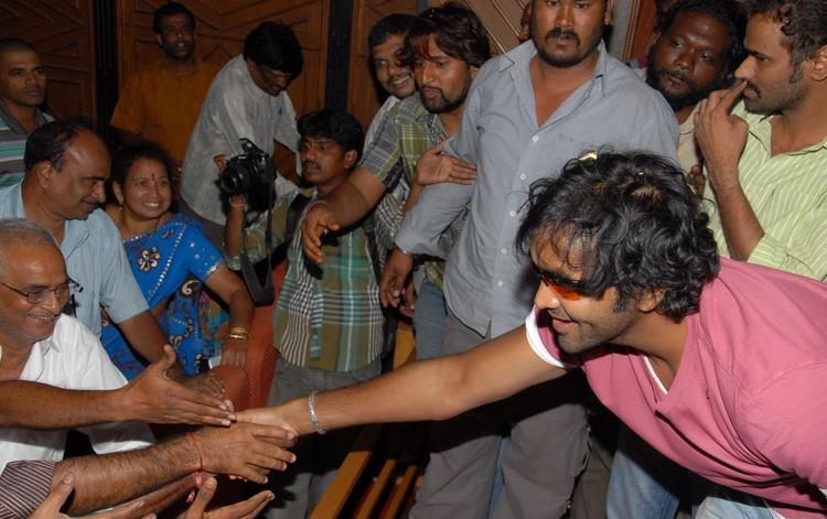Manchu Vishnu Meets His fans At Bhramarambha Theater