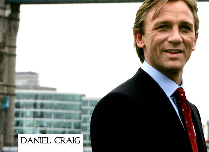 Daniel Craig Smiling Still