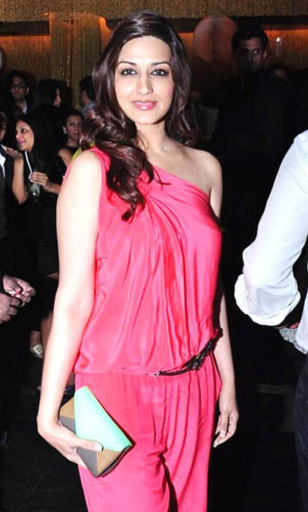 Sonali Bendre Glamour Look At Ghost Club Launch