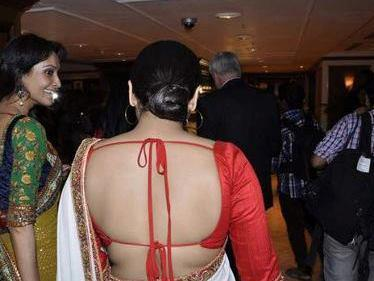 Vidya Balan Sexy Bare Back Still At Indian Films Exhibition In Australia