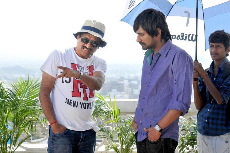 Varun With Director Neelakantha  In Movie Chammak Challo Set