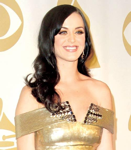 Katy Perry Cute Smiling Face Look Still