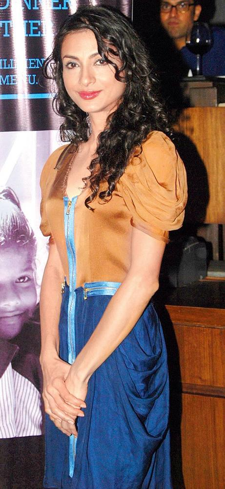 Akanksha Completed Her Look With Flowing Hair Still