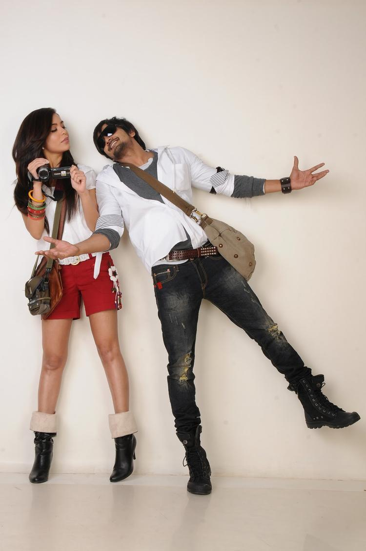 Ram Shanker And Adonika Hot Gorgeous Pic From Movie Romeo