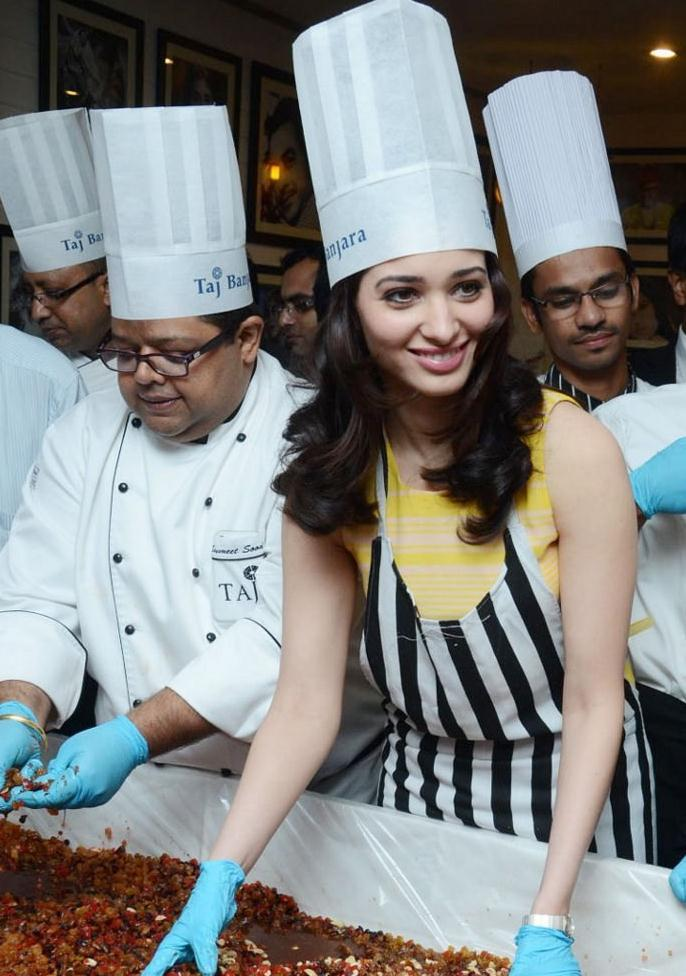 Tamanna Makes Cake Still In Cake Mixing Competition