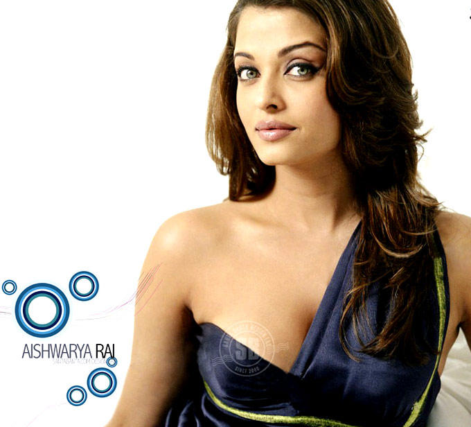 Aishwarya Cute Sexy Pose Photo Shoot