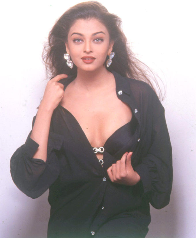 Aishwarya Hot Exposing Photo Shoot