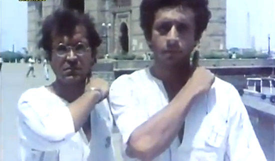 Naseeruddin And Ravi Snap Taken From Jaane Bhi Do Yaaro