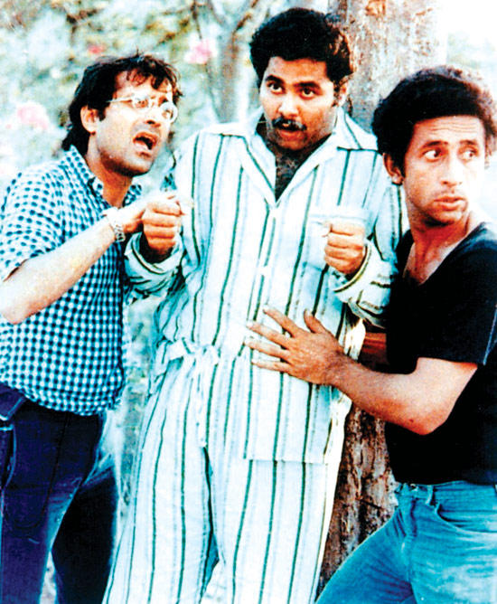 Naseeruddin,Satish And Ravi Comedy Scene From Jaane Bhi Do Yaaro