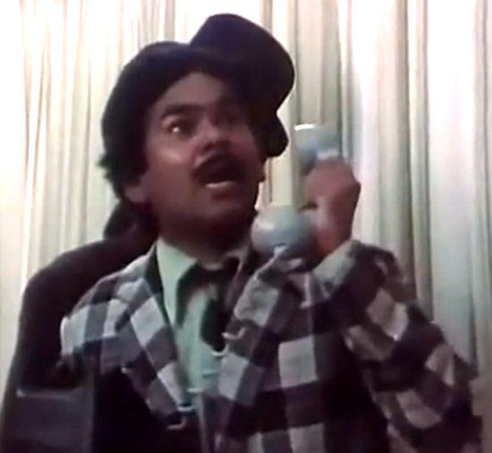 Satish Kaushik Still From Movie Jaane Bhi Do Yaaro