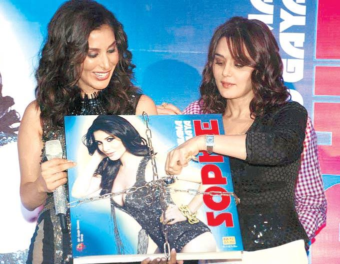 Sophie And Preity Launch The Video At Hungama Ho Gaya Album