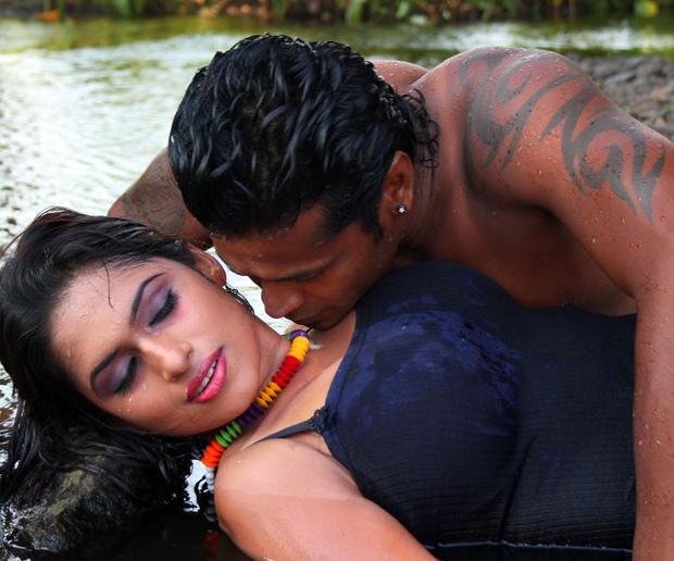 Sarathi And Govindh Hot Photo Still From Soundarya Tamil Movie