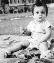 A Cute Still Of The Child SRK