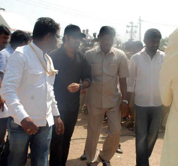 Jr NTR On His Way To Meet Chandrababu Naidu