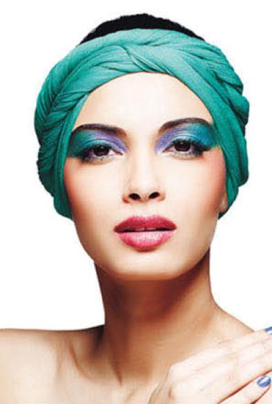Diana Penty Fashionable Look For Maybelline Magazine