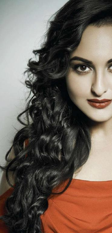 Sonakshi Completed Her Look With Flowing Hair Still