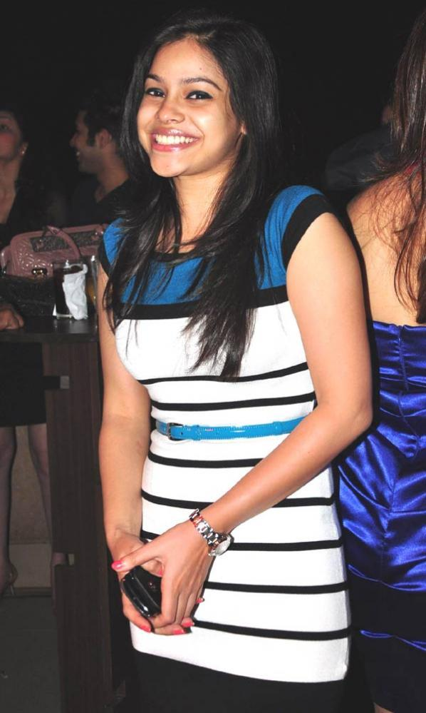 Sumona Flash A Smile At Gurmeet Choudhary's Jhalak Success Bash