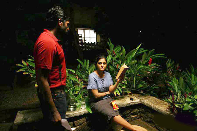 Vijay And Remya A Still From Pizza Movie