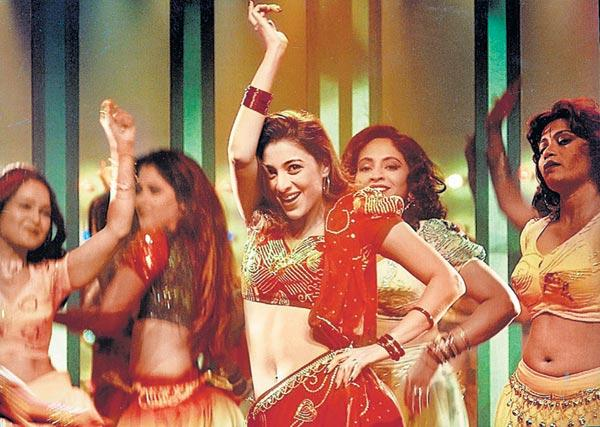 Tabu Performing Dance Still In Movie Chandni Bar