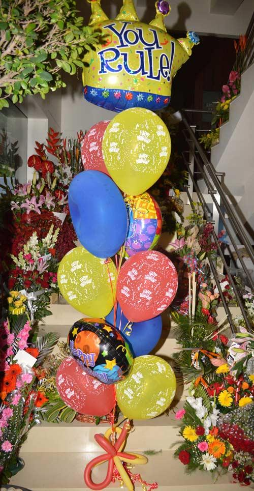 Celebratory Balloons For The Birthday Of Bollywood Baadshah