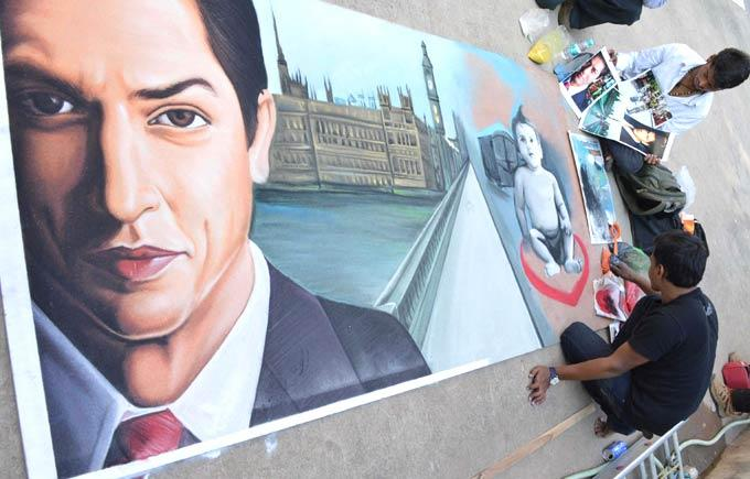 Fan Paints A Portrait Of Shahrukh Khan On His Birthday