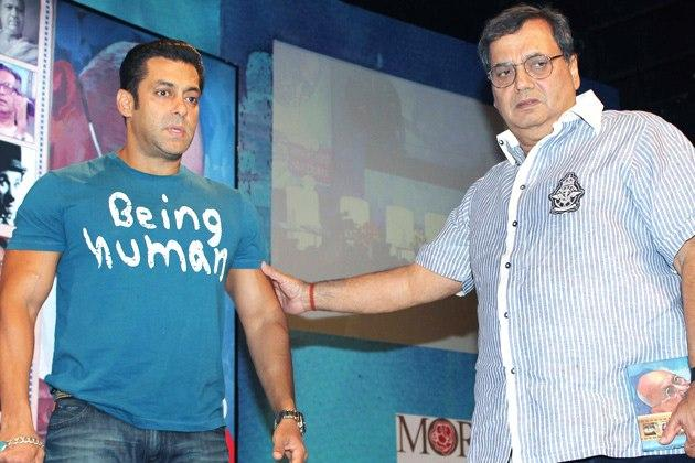 Salman And Subhash Posed At The Book Launch Of Mahatma Gandhi And Cinema