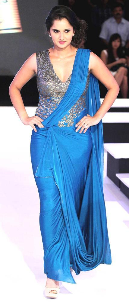 Sania Elegant Look Snap Clicked On Ramp At BPFW 2012