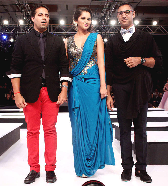 Sania With Friends On Ramp At BPFW 2012