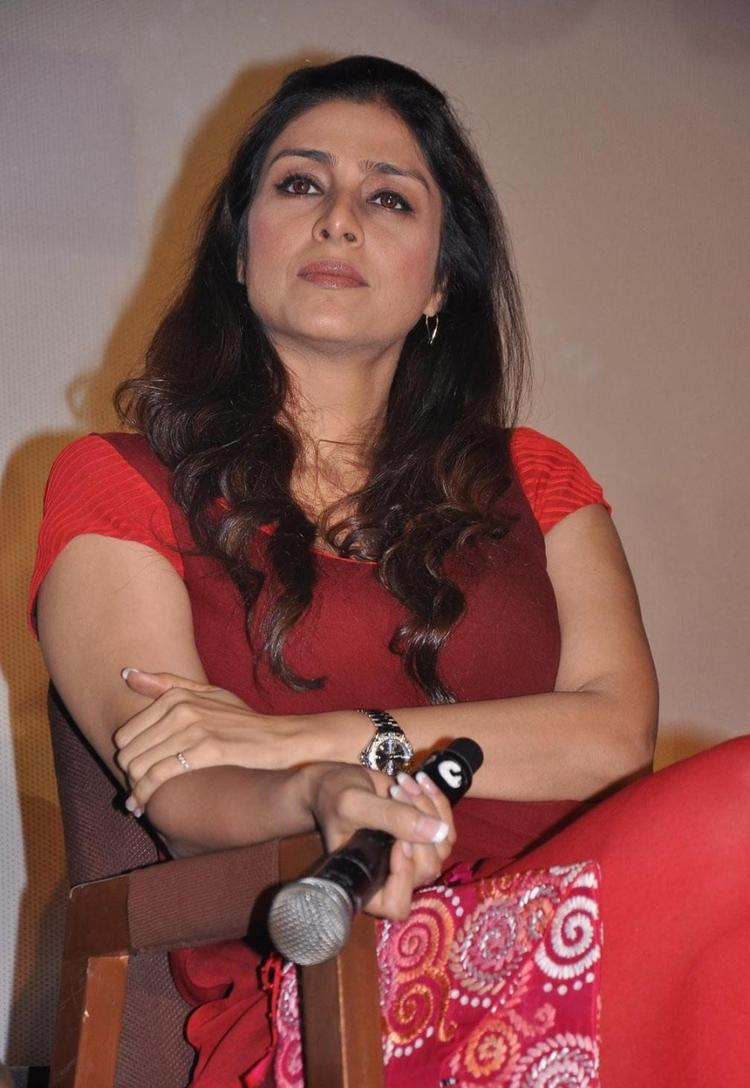 Tabu Dazzling Look Still At Life Of Pi Movie Press Meet