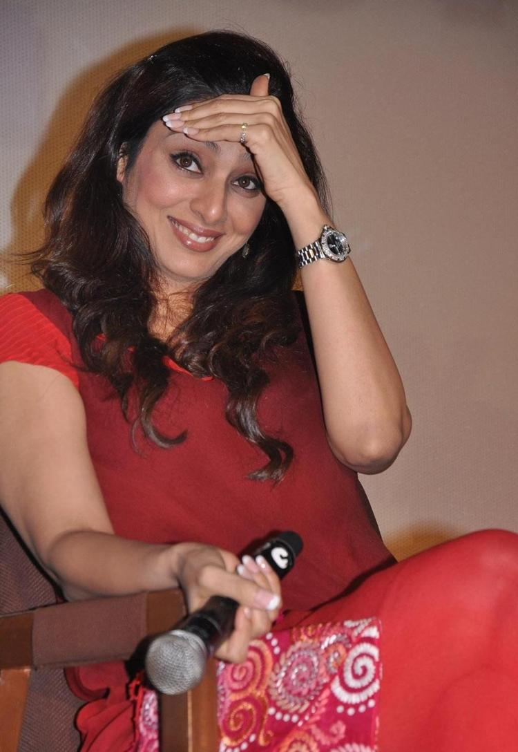 Tabu Hot Gorgeous Pic At Life Of Pi Movie Press Meet Photo