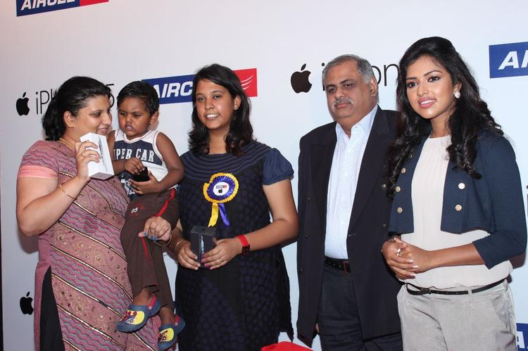 Amala Paul At Apple Iphone 5 Launch For Aircel