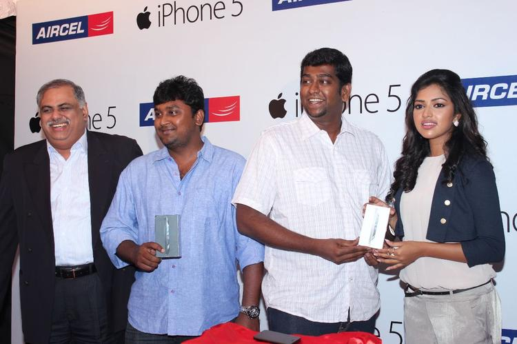 Amala Paul Attend The Apple Iphone 5 Launch For Aircel