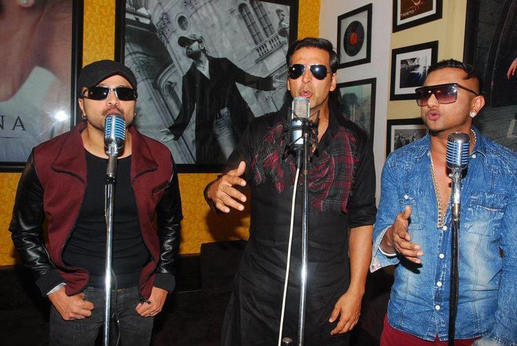 Akshay,Himesh And Yo Yo Honey Photo At Lonely Remix Video Shooting