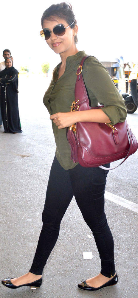 Asin Glamour Still At The Airport Leaving For Dubai To Promote Khiladi 420
