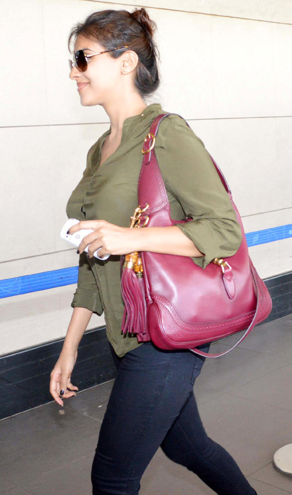 Asin Trendy Looking Photo Still At The Airport Leaving For Dubai