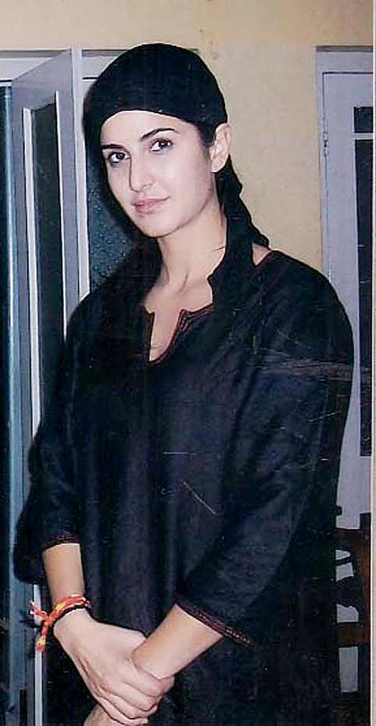Katrina Visit Ajmer Sharif Dargah Khawaja Moinuddin Chisti Rajasthan India