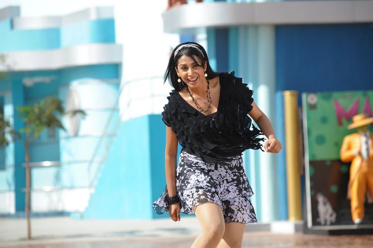 Gayathri Trendy Looking Photo Still From Telugu Movie Gola Gola
