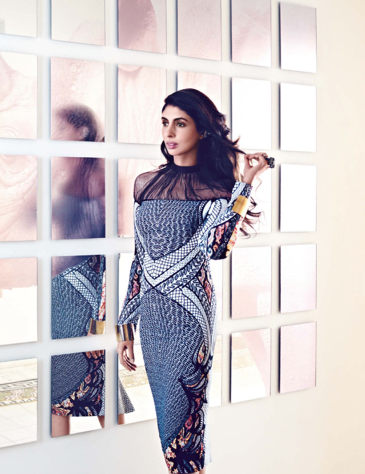 Shweta Nanda Sexy Pose Shoot For Vogue Nov 2012 Issue