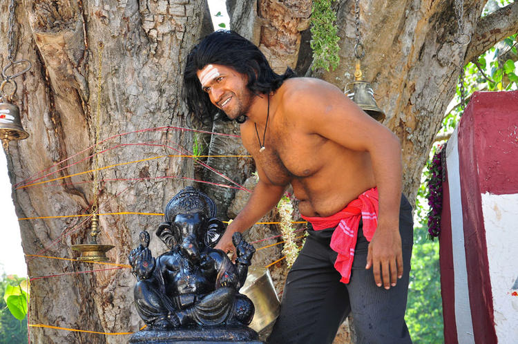 Puneeth Smiling Still From Yaare Koogadali Kannada Movie