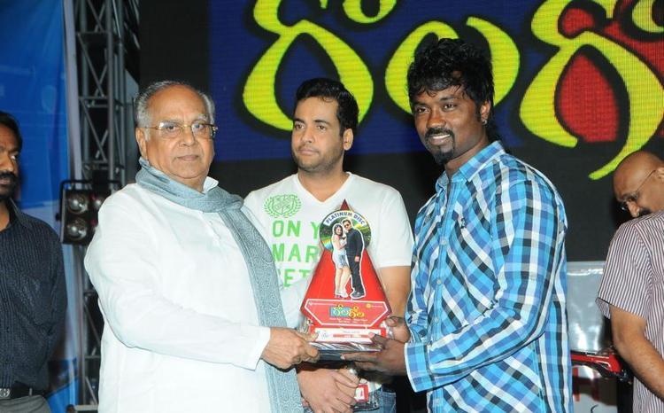 Akkineni And Sivaji On Stage Of Gola Gola Platinum Disk Event