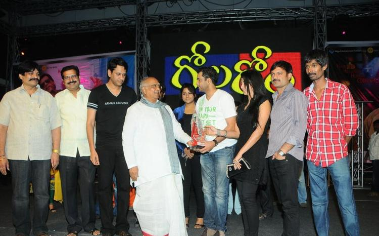 Akkineni,Gayatri,Jyothi And Sivaji At Gola Gola Platinum Disk Event