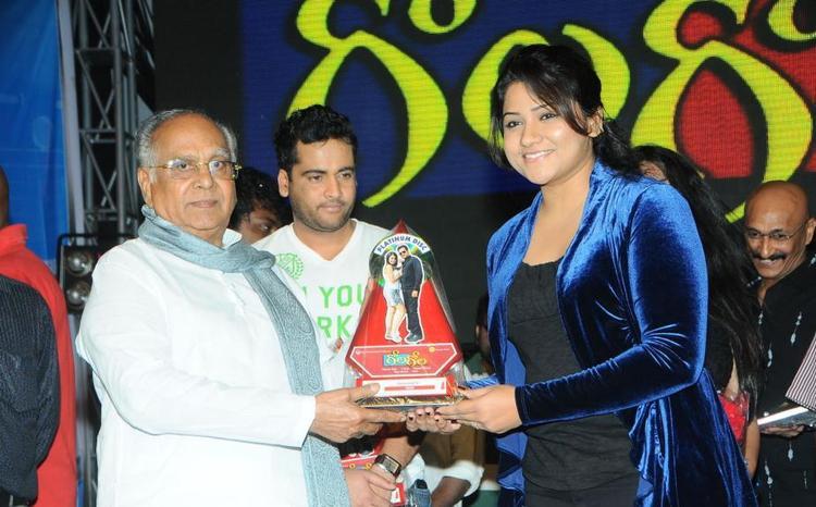 Akkineni,Jyothi And Sivaji At Gola Gola Platinum Disk Event
