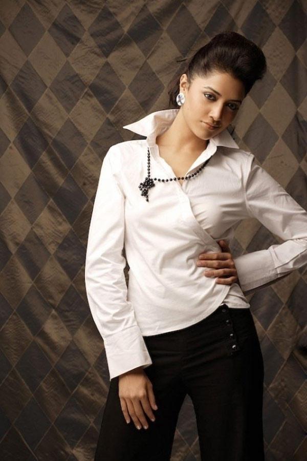 Mamta Mohandas Fashionable Smart Look Still