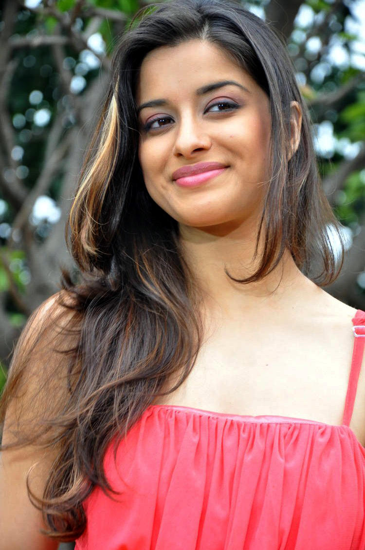 Madhurima Charming Look With Flaunt Hair Style Still