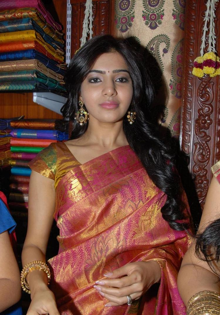 Samantha Launches Chettinad Ethnic Touchz A House Of Handlooms