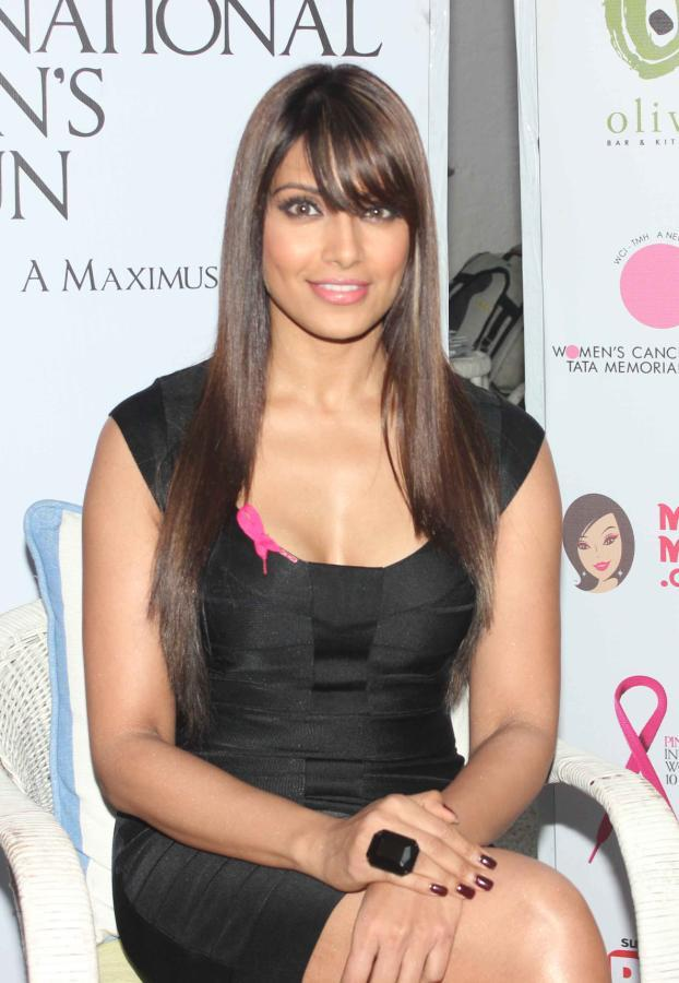 Bipasha Trendy Looking Photo Still At Pinkathon Event For Breast Cancer Awareness